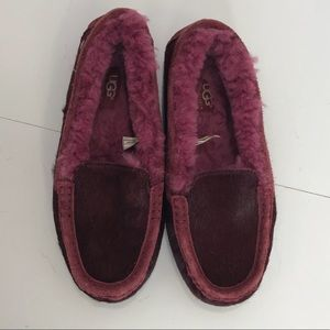 UGG burgundy sheepskin loafers SZ:8